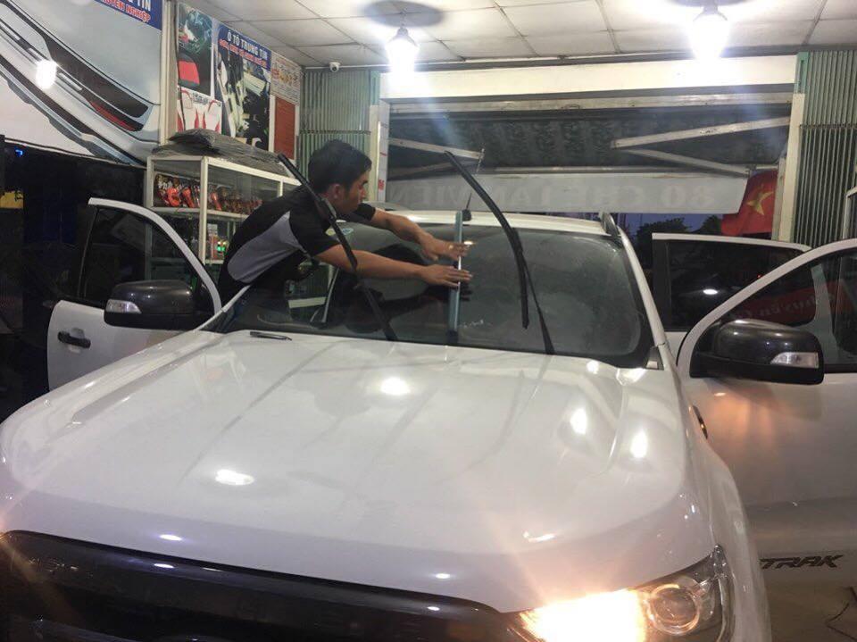 Dán Phim Cách Nhiệt Cho Ford Ranger