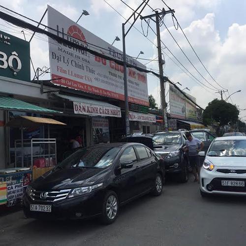Dán phim cách nhiệt Llumar cho xe hơi ( ô tô) tại Quận Phú Nhuận