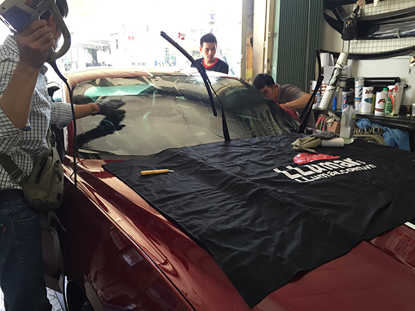 Dán kính cách nhiệt Llumar cho xe hơi (ô tô) tại Quận Bình Thạnh